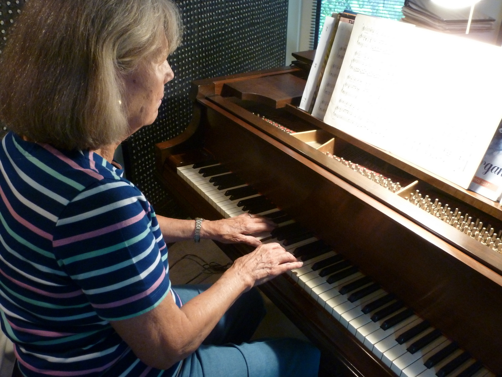 With no arthritis, playing the piano can still be enjoyed.